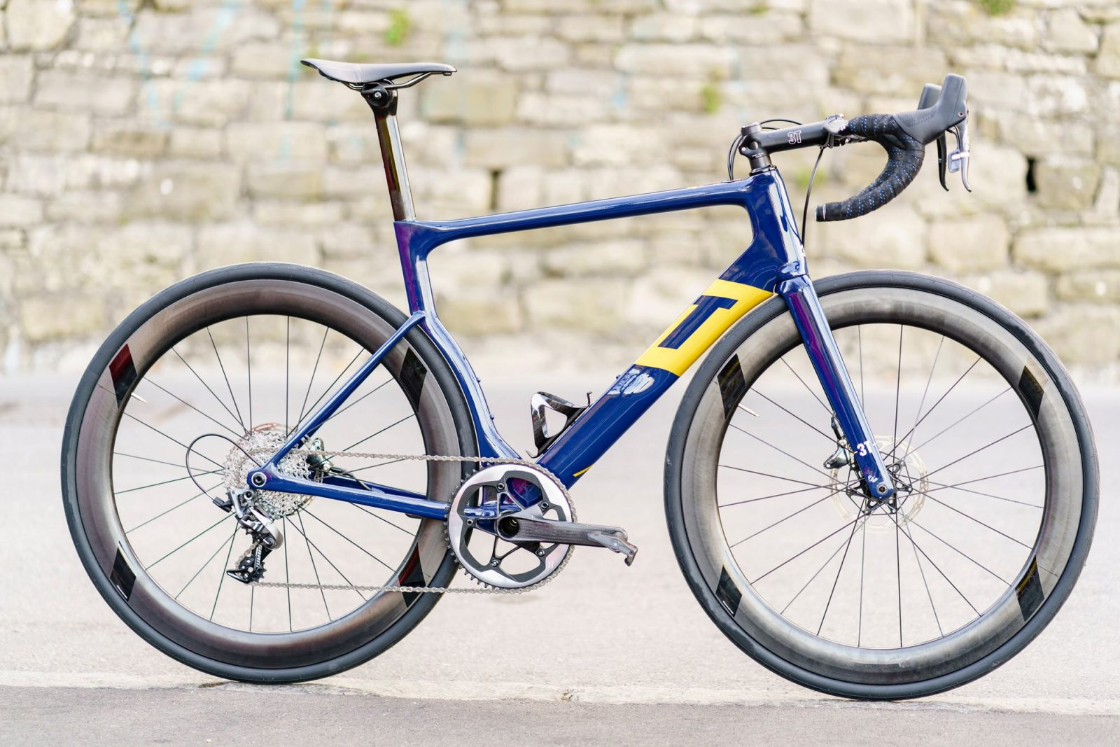 SRAM joins 3T as 2018 Aqua Blue Sport team bike is unveiled